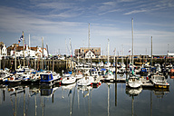Great Britain, Scotland, Fife, Anstuther, harbour with boats - SBD000170