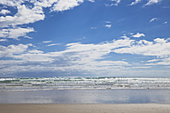 New Zealand, View of Ninety Mile Beach - GW002332