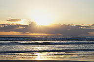 New Zealand, View of Ninety Mile Beach at sunset - GW002331