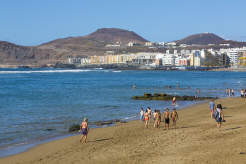 Spain, Las Palmas,People at beach of Playa de las Canteras - MAB000136
