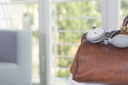 Germany, Freiburg, Doctors case with blood pressure gauge - DRF000038