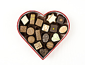 Pralines chocolate in heart packaging for Valentines day - MABF000143