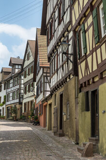 Germany, Baden Wuerttemberg, Half-timbered house in Staedtle town center - EL000315