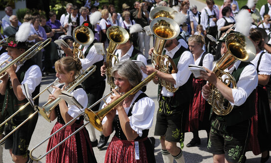 Germany, Bavaria, People marching at folklore festival - LH000228