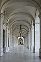 Portugal, Lisbon, Archway of Praca do Comercio - RUE001153