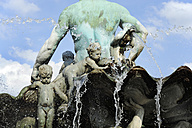 Germany, Berlin, Neptune fountain - MIZ000358
