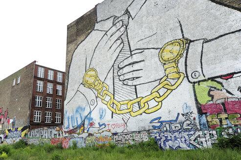 Germany, Berlin, Kreuzberg, Large graffiti at wall - MIZ000385