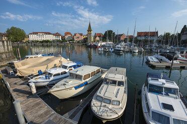 Germany, Bavaria, Lindau, View of parking boats in harbor - EL000366