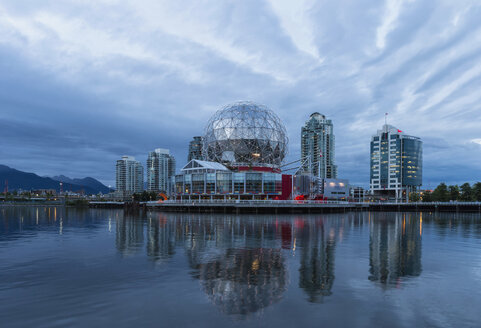 Canada, British Columbia, Vancouver, Telus Worl of Science at False Creek - FOF005157