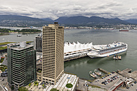 Canada, British Columbia, Vancouver, Cruise ship at harbour - FO005166