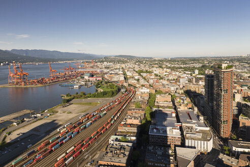 Canada, British Columbia, Vancouver, Freight containers at Vancouver Harbour - FOF005243