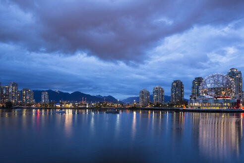 Canada, Skyline of Vancouver at night with TELUS World of Science - FOF005178