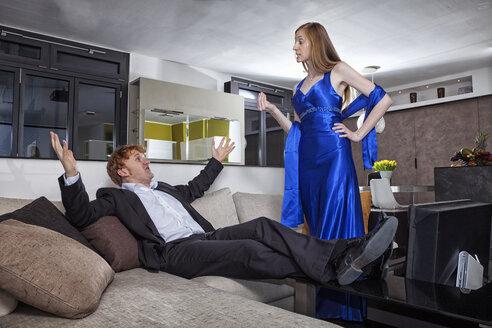 Couple having an argument in livingroom - RDF001170
