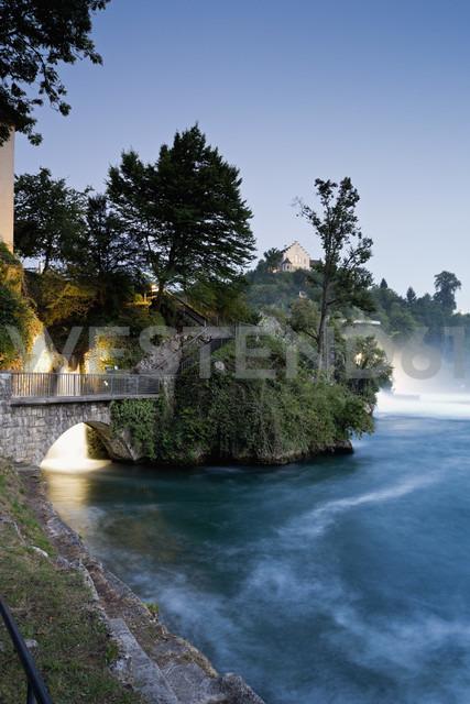 Switzerland, Schaffhausen, View of Rhinefall at Schaffhausen - MS002979 - Mel Stuart/Westend61