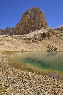 Turkey, High or Anti-Taurus Mountains, Aladaglar National Park, Yedigoller Plateau, Big lake - ES000522