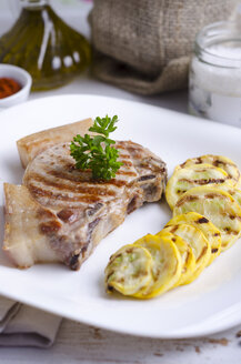 Pork chop with grilled courgette - ODF000422