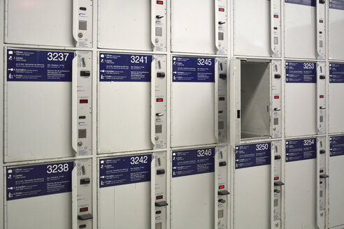 Lockers at central station - AX000479