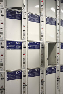 Lockers at central station - AX000480
