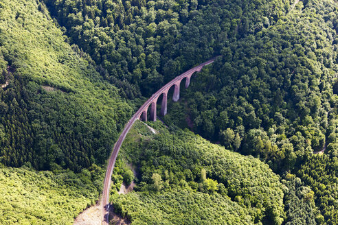 Germany, Rhineland-Palatinate, View of the Hubertus Viaduct of Hunsrueck Railway, aerial photo - CSF019991