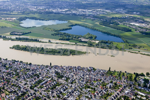 Germany, Rhineland-Palatinate, High water of River Rhine at Urmitz, aerial photo - CSF019998