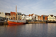 Germany, Husum, harbour - WI000051