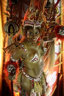 Brasil, Rio de Janeiro, Carnival, Samba dancer in costume - FLK000005