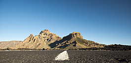 Spain, Canary Islands, Tenerife, Teide National Park, road, in the background Montana de Chasna - WGF000031