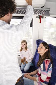Happy family in a train - KFF000267