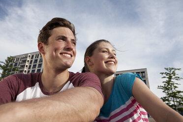 Germany, Bavaria, Munich, Smiling couple outdooors - RBF001334