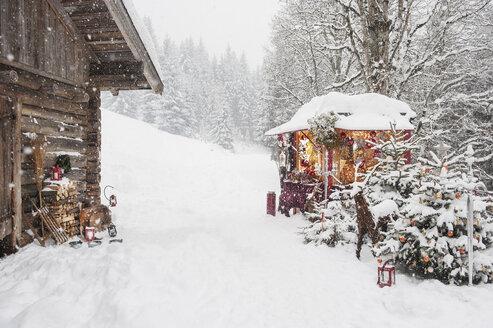 Austria, Altenmarkt, Christmas market - HHF004638