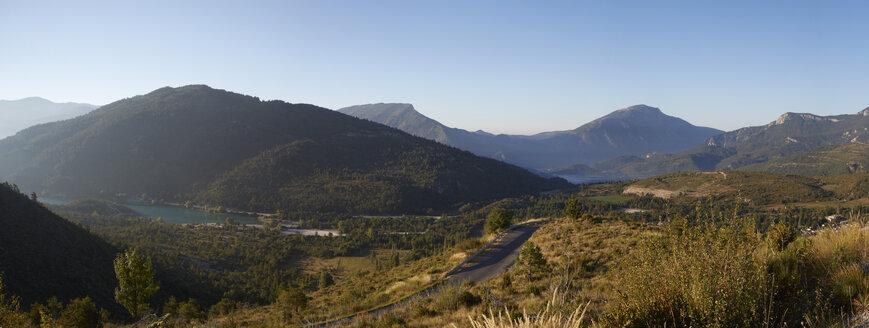 France, Alpes-de-Haute-Provence, landscape near by St.-Julien-du-Vercors left Lac de Castillon - DHL000096
