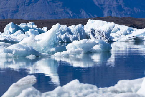 Iceland, Austurland, Jokulsarlon Glacial Lagoon near Vatnajokull National Park - STSF000151