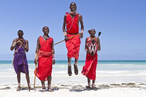 Africa, Kenya, Coast Province, District Kwale, Diani Beach, leaping dance of the Massai - WL000001