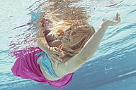 Germany, Bavaria, Vilsbiburg, woman under water - STB000083