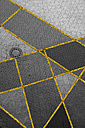 Geometrical pattern on pavement - TLF000715