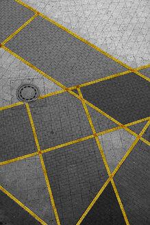 Geometrical pattern on pavement - TLF000715