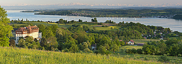 Germany, Baden-Wurttenberg, Lake Constance, Spetzgart Castle and Uberling Lake - SH000867