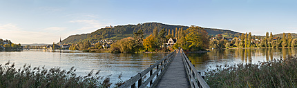 Switzerland, Schaffhausen, Lake Constance, Jetty to Island Werd - SH000861