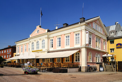 Sweden, Smaland, Vimmerby, Town square with hotel - BT000159