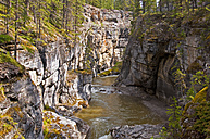 Canada, Alberta, Rocky Mountains, Jasper National Park, View to Maligne Canyon and Maligne River - UMF000650