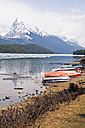 Canada, Alberta, Rocky Mountains, Maligne Lake, rowing boats at lakeshore - UMF000653