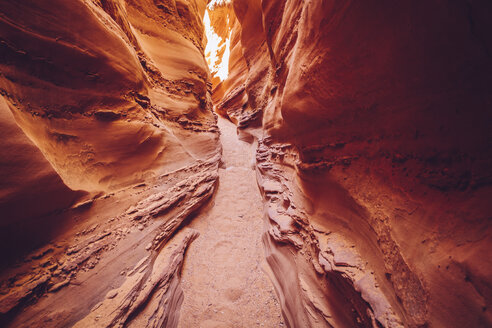 USA, Utah, Escalante, Peek-A-Boo and Spooky Slot Canyons - MBEF000820