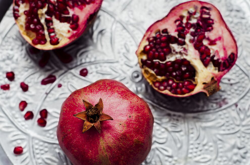 Pomegranates [Punica granatum] on silver tray - CZ000114