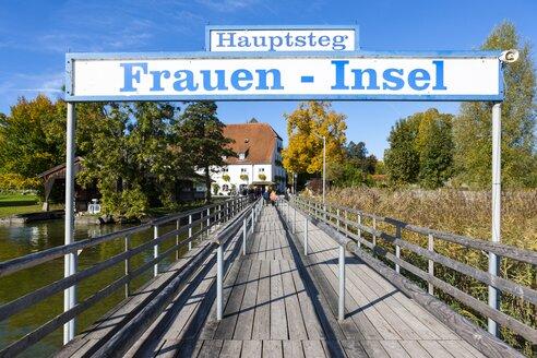 Germany, Bavaria, Upper Bavaria, Chiemgau, Chiemsee, Frauenchiemsee, jetty - AMF001156