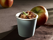 Baked apple dessert in cup - SRSF000379