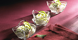 Lime curd in glass bowls - SRSF000381