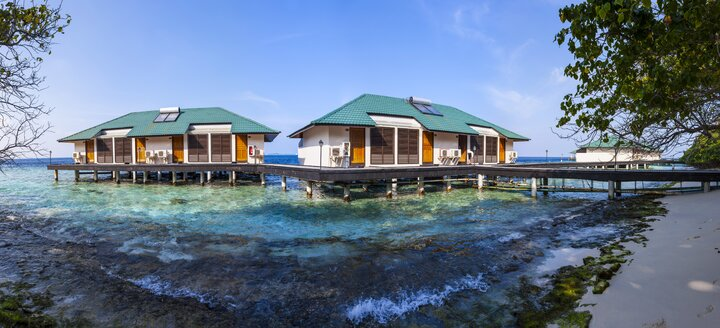 Maledives, South-Male-Atoll, Embudu, water bungalows - AMF001222