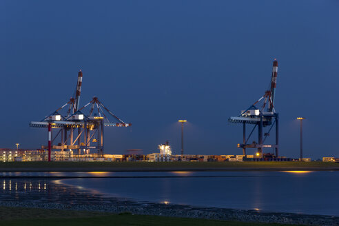 Germany, Bremerhaven, harbor - SJ000070