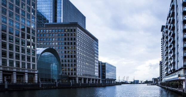 UK, London, Docklands, buildings at financal district - DISF000201