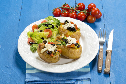 Mediterranean baked potatoes with tomatoes, spring onions, olives, chicken, ricotta and parmesan cheese - MAEF007350